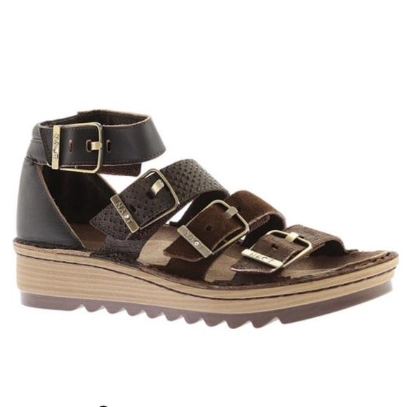 6f5f5ecb059 Naot Begonia Ankle Strap Sandal Size 40. M 5ab98b3100450fe83180de04